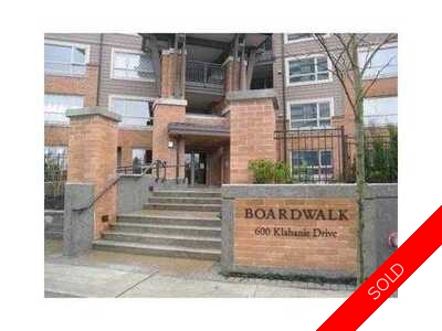Port Moody Centre Condo for sale:  2 bedroom 881 sq.ft. (Listed 2010-08-10)